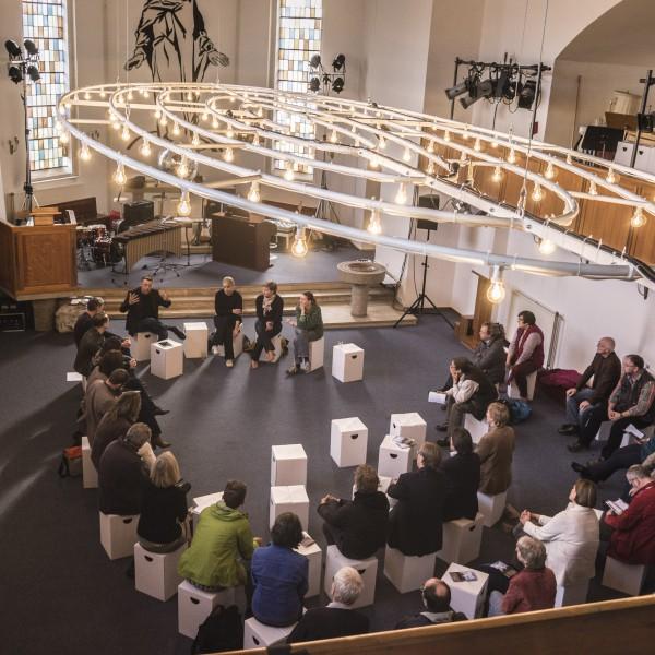 NEW HAMBURG AKADEMIE: POSTSÄKULARES LEBEN