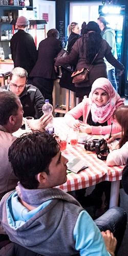 Tischgespräche beim Sprachcafé