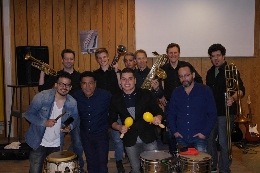 10 Musiker- El Clan Latino